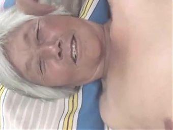 chinese granny write hair