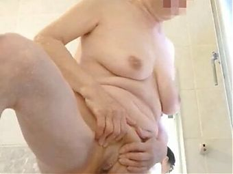 old granny pissing 1