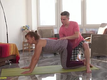 mom gets fucked by yoga instructor