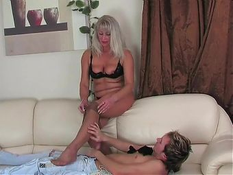 sand pantyhose of lustful 51-year-old grandma Elena