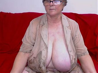 Mature woman with big tits 3