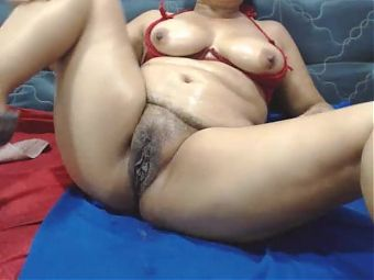 C2C session with horny hairy granny Latina slut